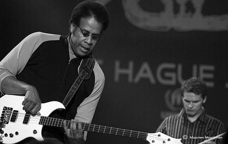 Stanley Clarke plays the Spellbinder White Sibling